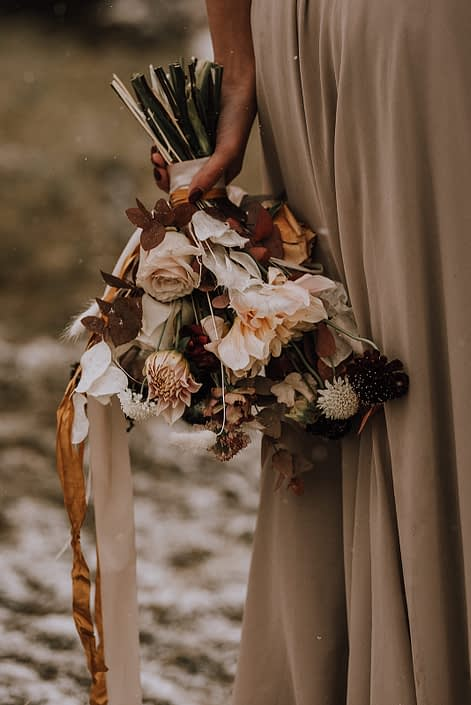 Fall styled shoot bouquet designed with neutral fall coloured flowers including bunny tail, scabiosa, roses, dahlias, sweet peas