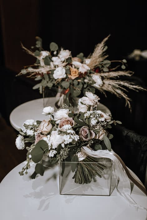 Cambridge Bridal Show 2020 - bridal bouquets made of ivory and blush roses, pampas grass and greenery