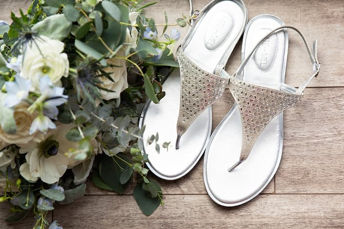 Bridal bouquet and shoes for blue wedding