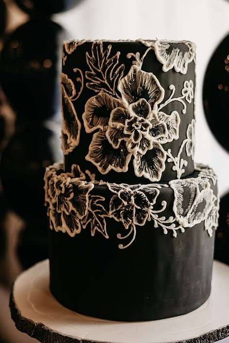 Black and white cake with floral piping by Stella Beans Sweets for the Canyon Ski Resort Open House 2019.